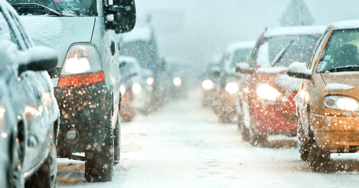 Напоминаем о безопасности петровским водителям и пешеходам